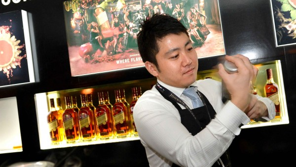 Diageo World Class bartender Akihiro Eguchi mixing at the Johnnie Walker Flavour Lab