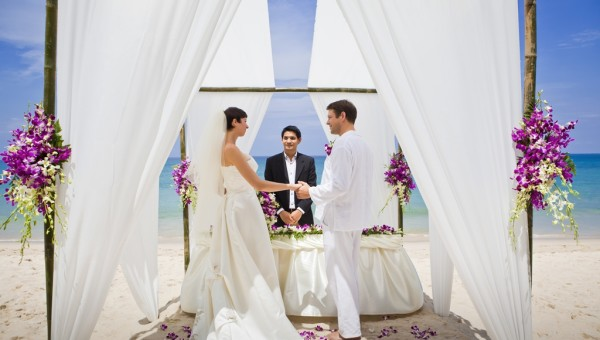 Banyan Tree Wedding Beach