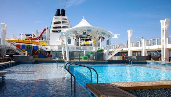 main-pool-deck