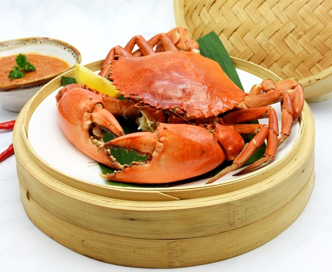 Steamed Crab with Sweet-spicy Chilli Dip