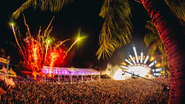 Zoukout crowd