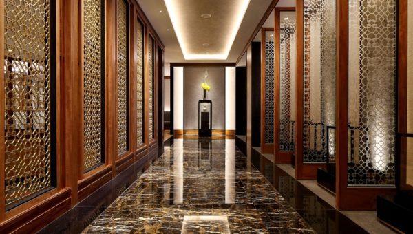 Hua Ting Restaurant Hallway