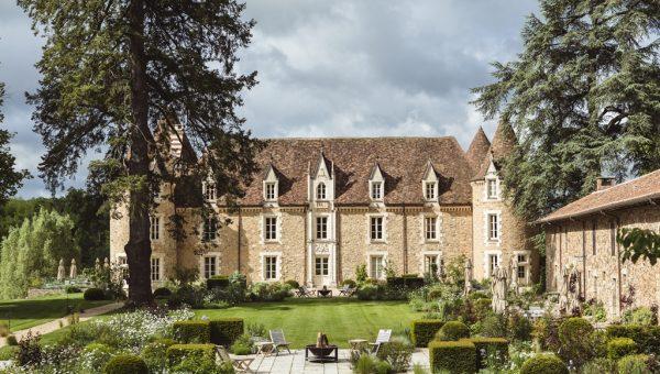 Domaine-des-Etangs-Castle