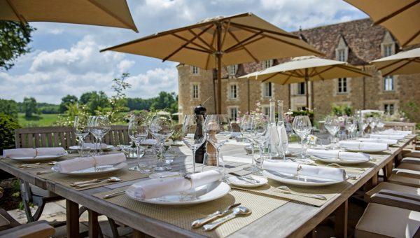 Domaine-des-Etangs-Dyades-Restaurant-Terrace