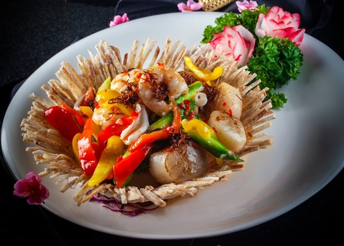 Stir-fried Scallop, Squid and Prawn in XO Sauce 2_Park Hotel Clarke Quay