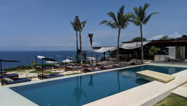 Ulu Cliffhouse Breathtaking Pool View