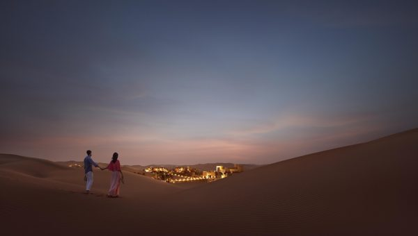 Qasr_AlSarab_Euro_Couple_Night