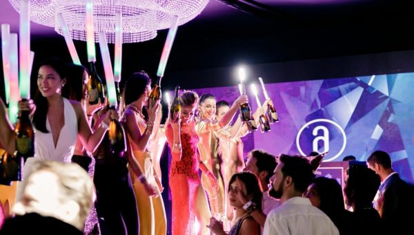 Amber Lounge Singapore - Party atmosphere