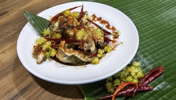 Spicy Fish Skin with Jasmine Petals