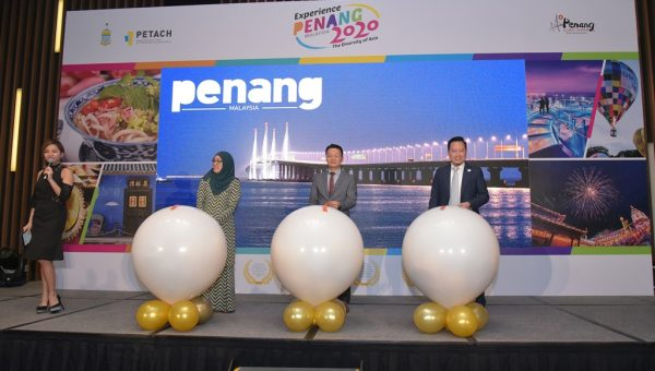 Official launch of Experience Penang 2020 on stage [from left to right - Mdm Ida Harlina Mohd Idris, YB Yeoh Soon Hin, Mr Ooi Chok Yan