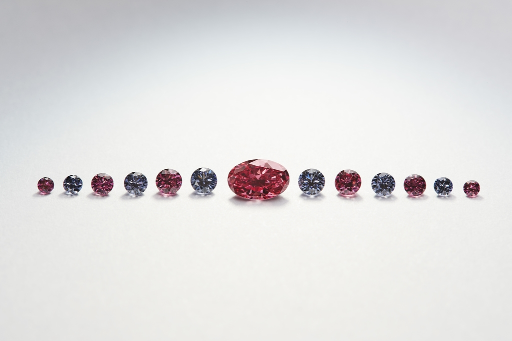 Petit Oiseau - a collection of blue and red diamonds from the APD Petite Suites Collection