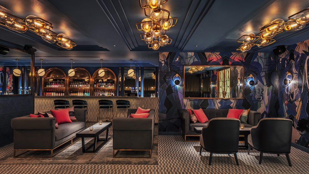 Club 5 Bar