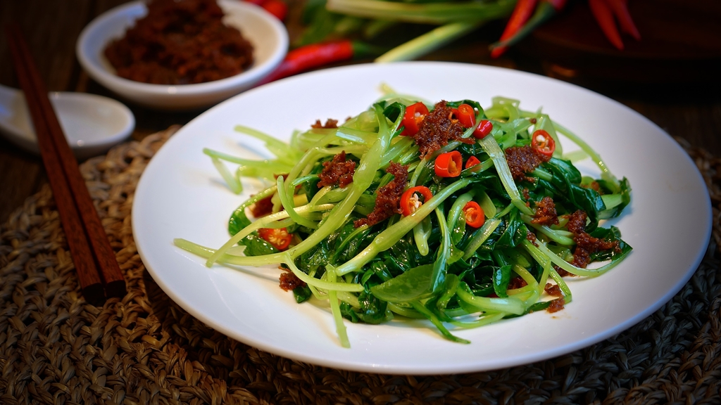 Stir Fried Chayote Leaves with Dried Scallop