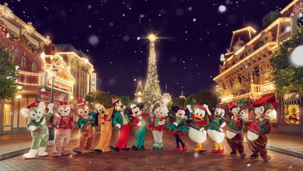 HKDL_Christmas_Group Shot