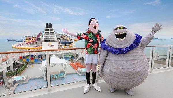 Dream Cruises - Drac & Murray at Sea